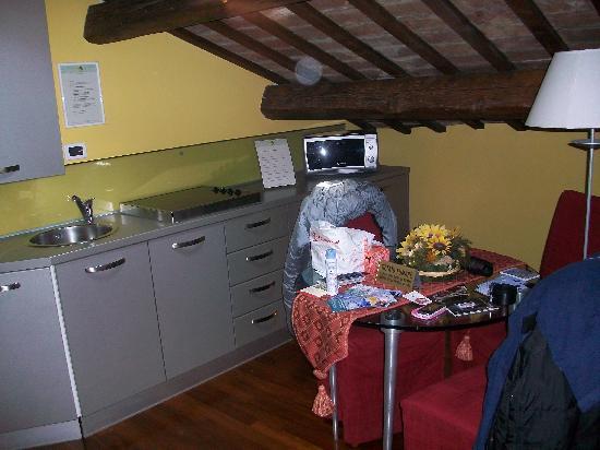 Piazza Nova Guest House: angolo cottura