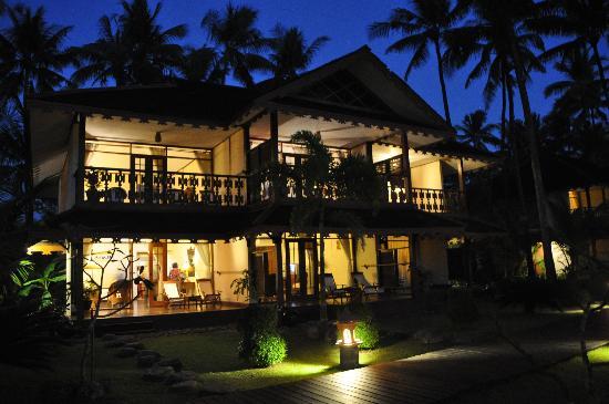 Amazing Ngapali Resort : Hotel am Abend