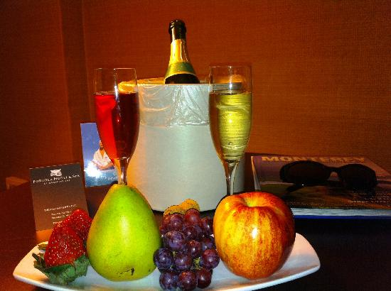 Portola Hotel & Spa at Monterey Bay: Nice way to end an evening...