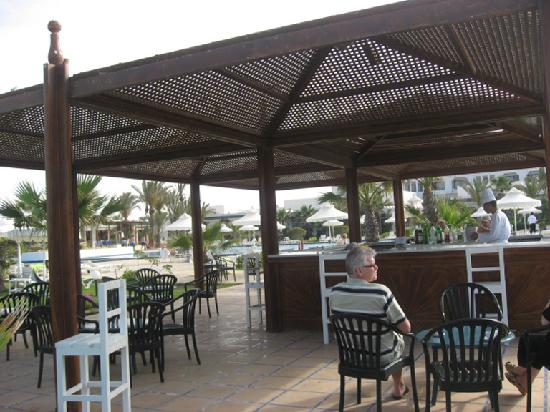 Hasdrubal Thalassa & Spa Djerba: Pool Bar