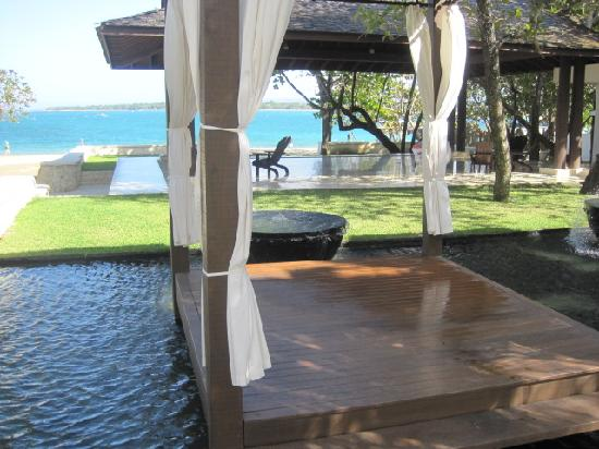 Casa Colonial Beach & Spa: Massage cabanas on the beach