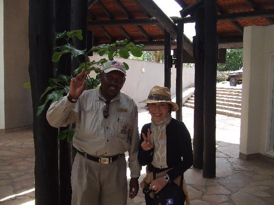 Mpata Safari Club: ガイドさんと