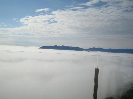 โฮชิโนะ รีสอร์ท โทมามุ เดอะ ทาวเวอร์: 見下ろす山々