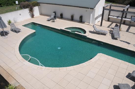 Lindenwarrah: The pool.