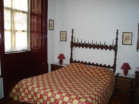 Pensao Flor de Coimbra: bed room double