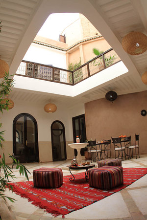 Riad Ghemza: PATIO