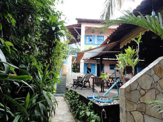 Pousada Colibri : Entrance to the hotel, next to the reception