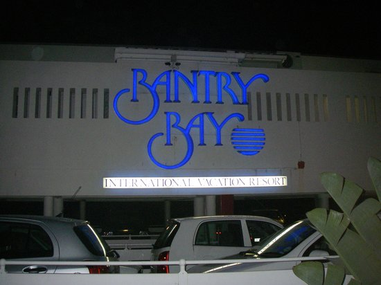 Bantry Bay International Vacation Resort: Neon sign of main entrance