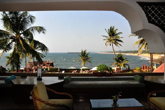 Vivanta by Taj - Fort Aguada, Goa: The view from the foyer.