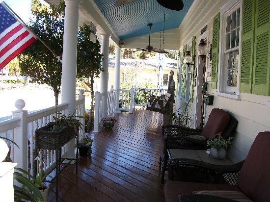 Crane Creek Inn Waterfront Bed and Breakfast: The Front Porch