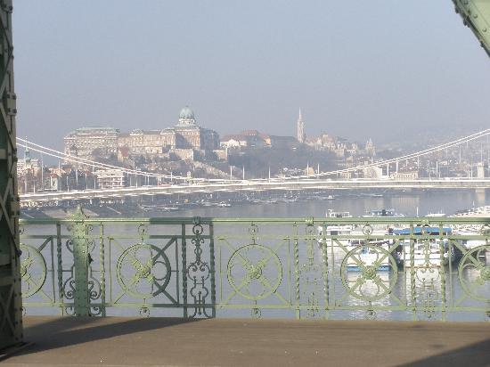 Budapest, Hungary: ΓΕΦΥΡΑ ΕΛΙΣΑΒΕΤ