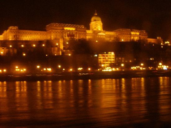 Budapest, Hungary: ΠΑΛΑΤΙ