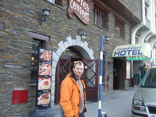 Hotel Confort Soldeu : EN LA PUERTA DEL HOTEL