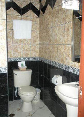 Nativa Apartments: Bathroom