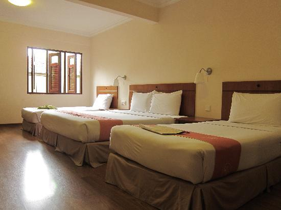 Hotel Puri: Spacious triple room
