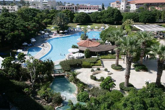 Avanti Hotel 2011 South gardens