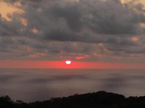 Hotel Encanto: An Acapulco Sunset