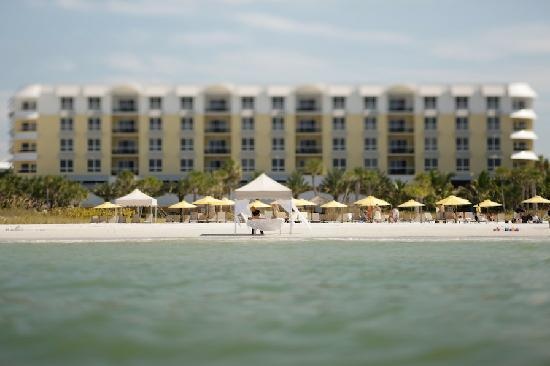 Hyatt Siesta Key Beach Resort, A Hyatt Residence Club: Enjoy relaxation on Crescent Beach
