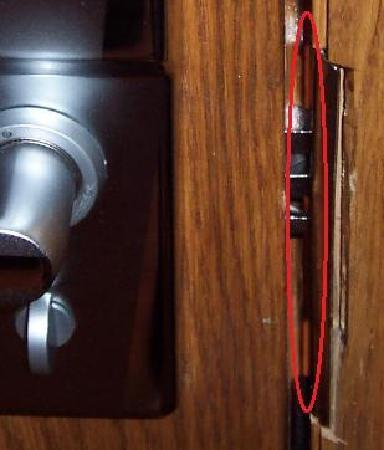 Hyde Park Economy Apartments: Door broken into