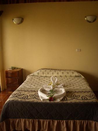 Cabinas El Castillo: the bed