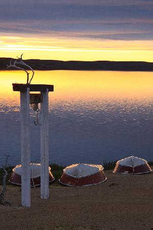 Peterson's Point Lake Lodge : First Light on the lake