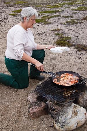 Peterson's Point Lake Lodge : Shore Lunch!