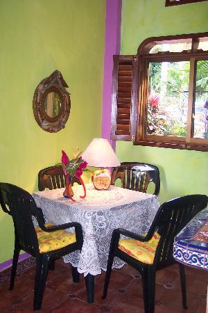 Casa Contenta: Studio Suite Dining