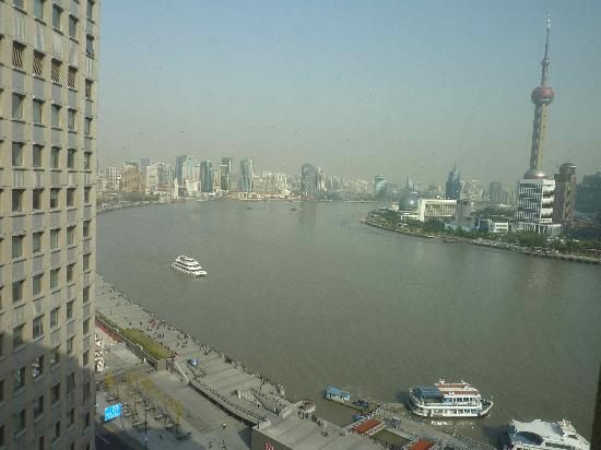 Les Suites Orient, Bund Shanghai: Day view from room