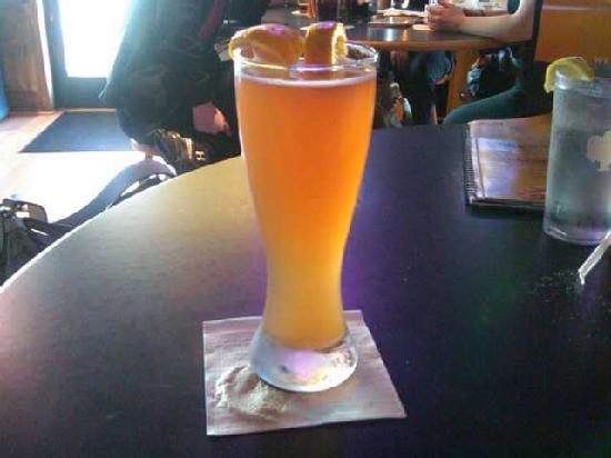 Buffalo Wild Wings: Large Beer