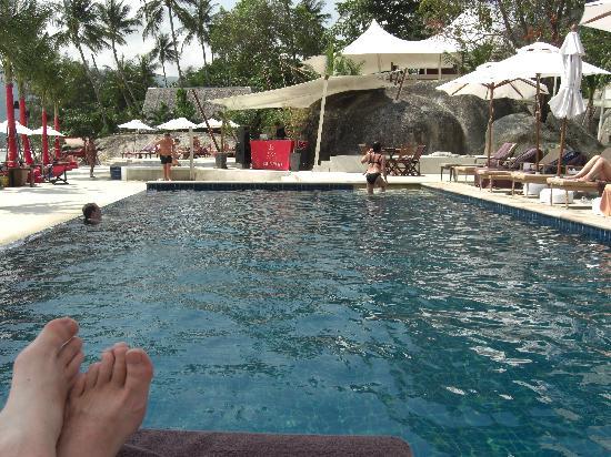 โรงแรมบีช รีพับลิค: Main pool