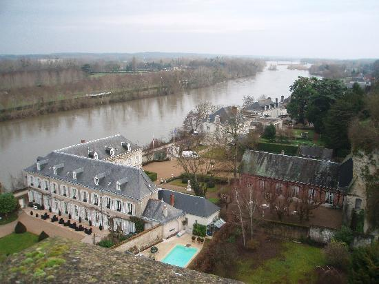 Hotel Le Manoir les Minimes: View of the hotel from Chateau d'Amboise in winter