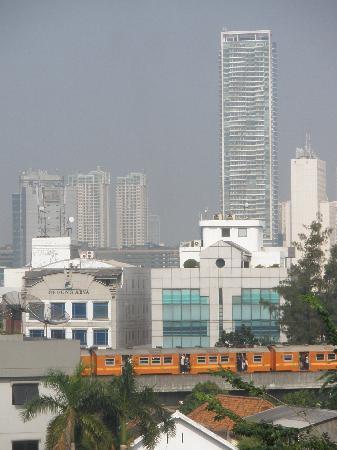 Ibis budget Jakarta Cikini : vista dalla camera di giorno