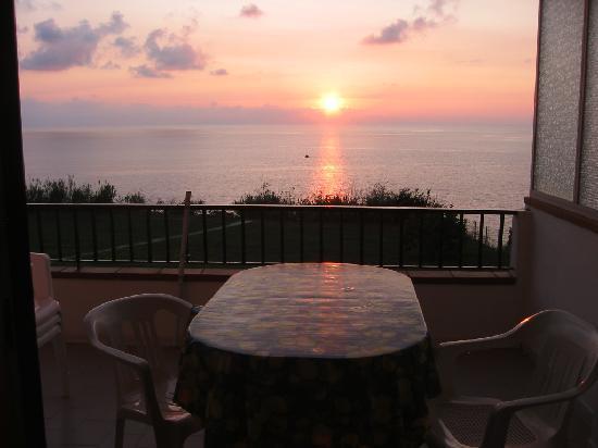 Villaggio Residence Vadaro: il tramonto dal residence vadaro