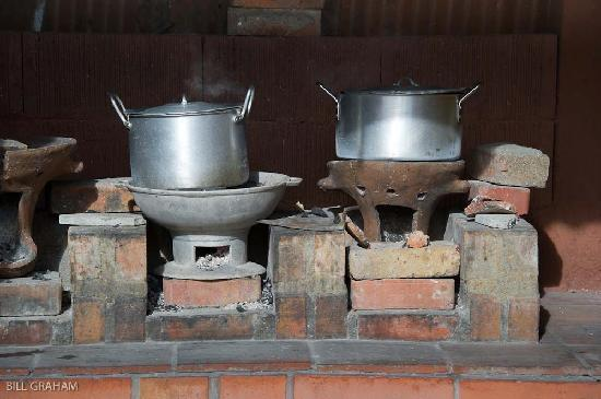The Old Plantation Yard: Creole lunch cooking