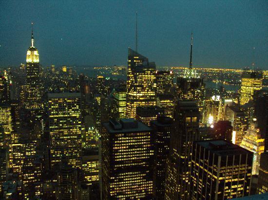 Plate-forme d'observation du GE Building : Al anochecer...vistas del Empire State dsd Rockefeller