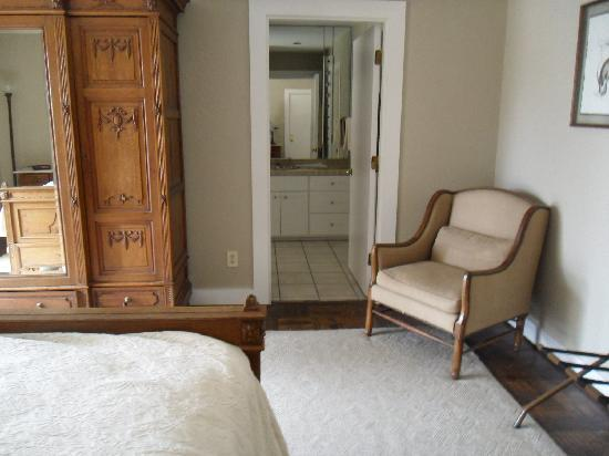 The Lodge at Fossil Rim: Parrot Suite (2nd floor)