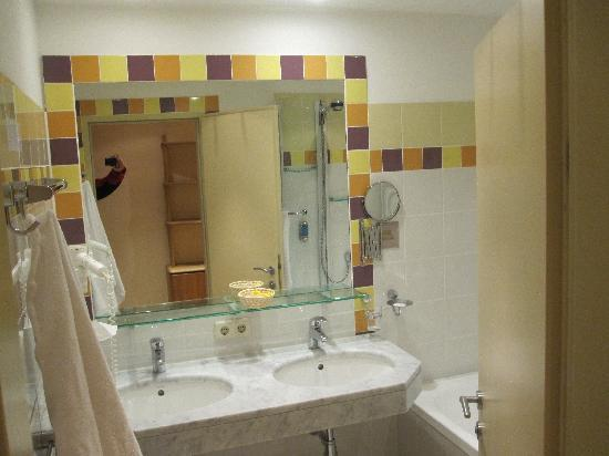Hotel Sunny : Badezimmer