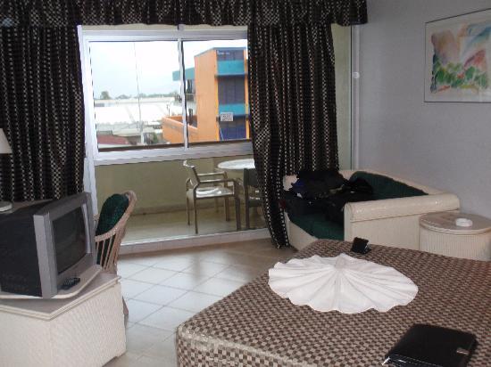 Bird Of Paradise Hotel: Room 203