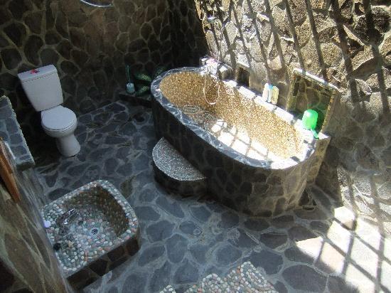 Kubu Lalang: salle de bains