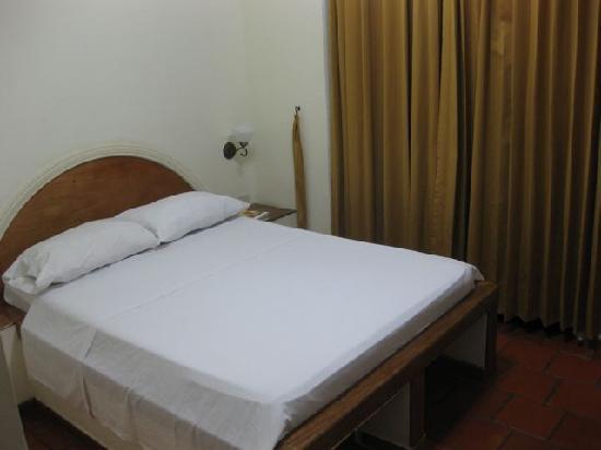Centro Hotel: Reasonably comfortable beds