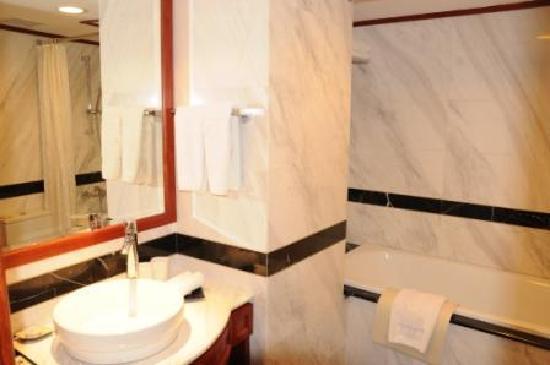 Conifer Boutique Hotel: Salle de bain
