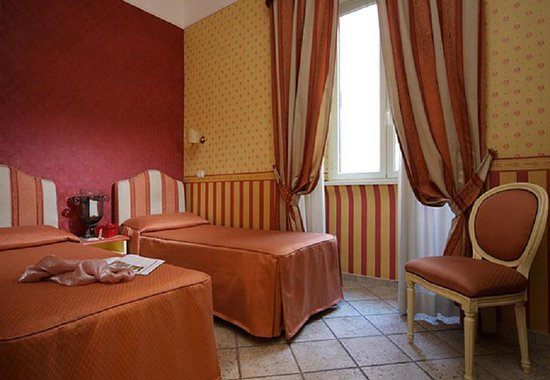 Hotel Golden Rome Classic Twin Room