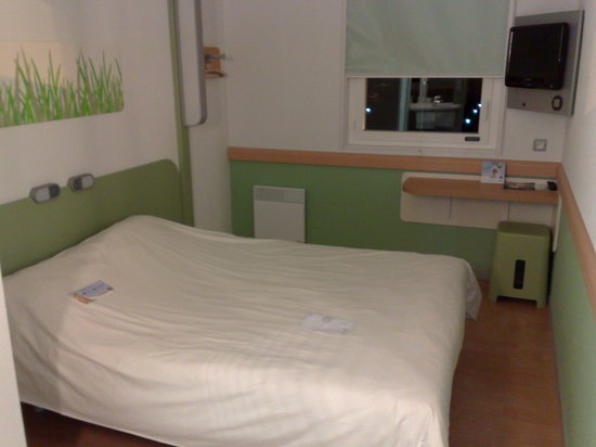 Ibis Budget Tours Nord: chambre claire