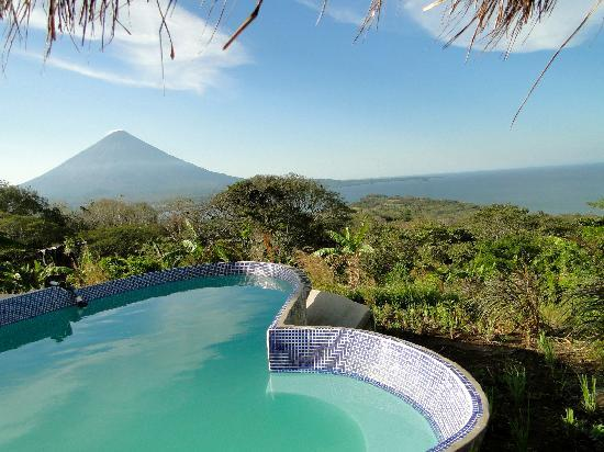 Totoco Eco-Lodge: A swimming pool at the top of the mountain