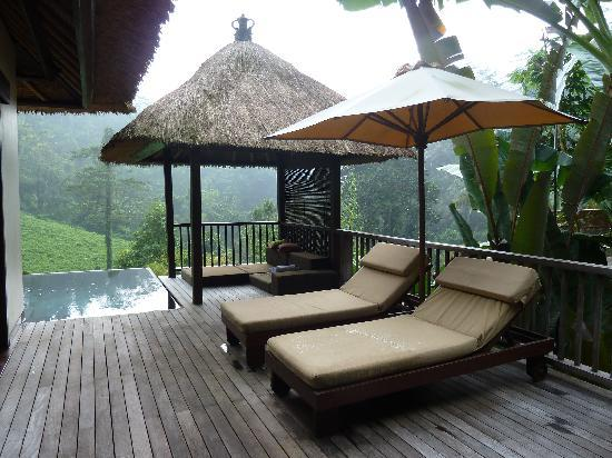 Hanging Gardens of Bali: Patio and private pool