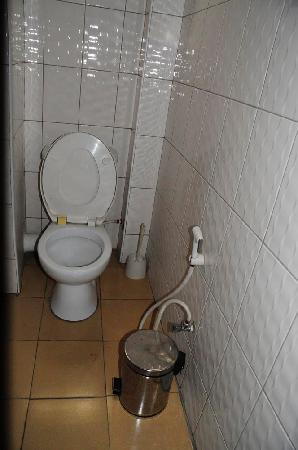 Durban Hotels Limited : bathroom