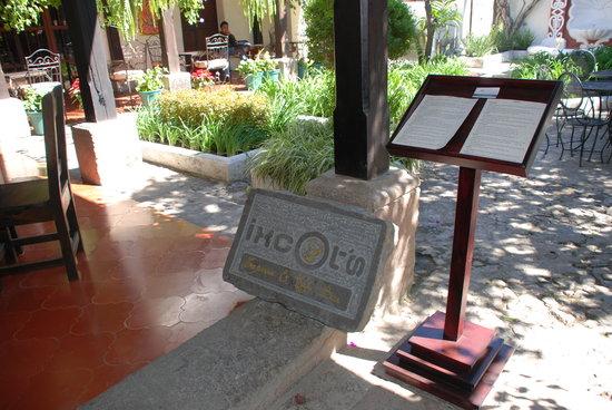 Ixcot's Creperia & Cafe Bar: Ixcot's Courtyard