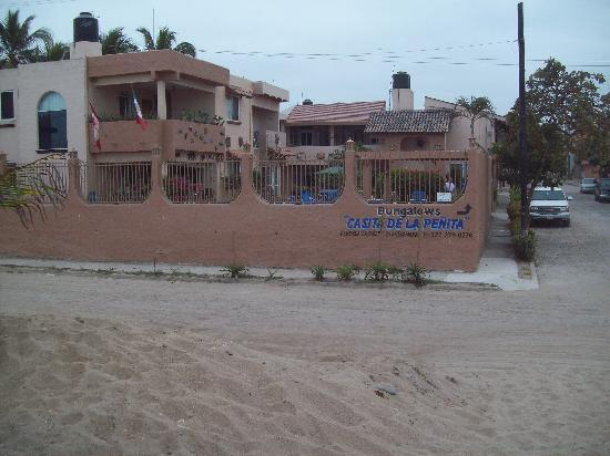 Casita de La Penita: across from beach