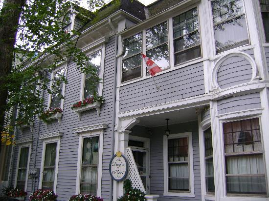 Duchess Of Kent Inn: Front of the property