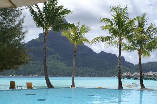 InterContinental Thalasso-Spa Bora Bora: View from chairs at the pool.